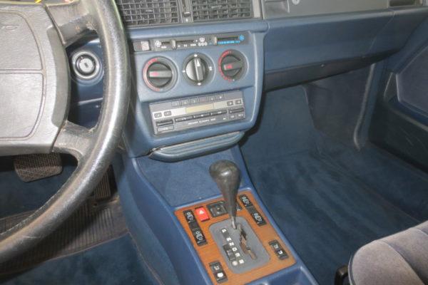 190E blau 009