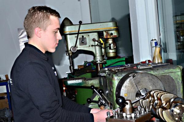 Motorenbau_DSC_0248_19_zu_9